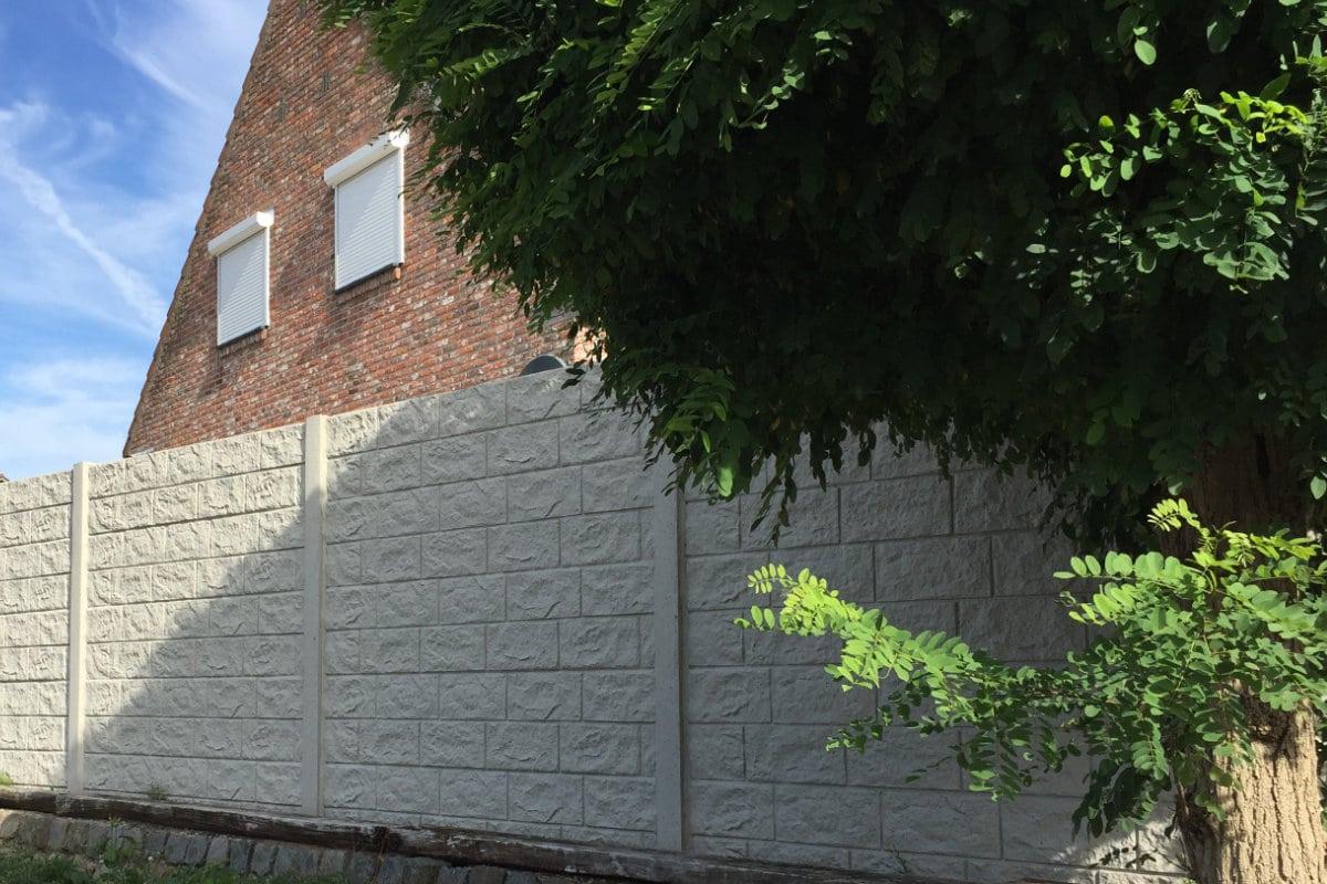 betonnen afsluiting plaatsen