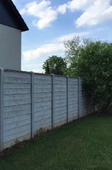 Houten afsluitingen uitvoeringen geschikte houtsoorten for Moderne afsluiting tuin